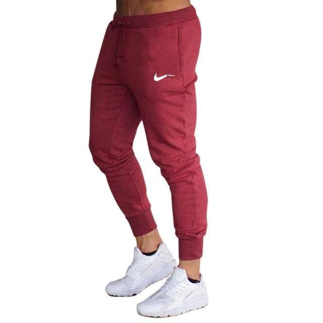 PERFORMANCE TECH JOGGER | RED
