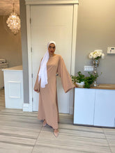 Load image into Gallery viewer, MODEST ABAYA