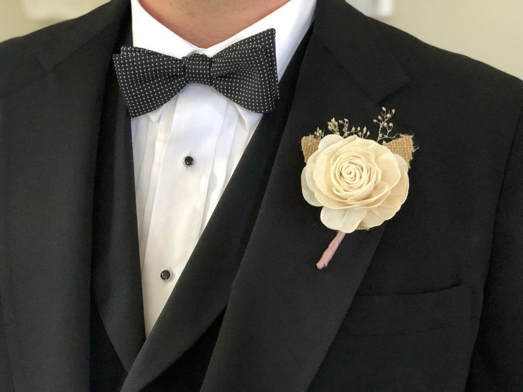 Champagne Twilight Boutonnière - PineandPetalWeddings