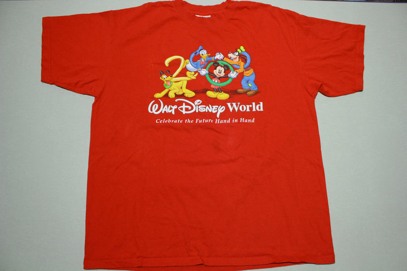 Disney World Goofy Mickey Donald 2000 Celebrate The Future Hand in Hand T-Shirt