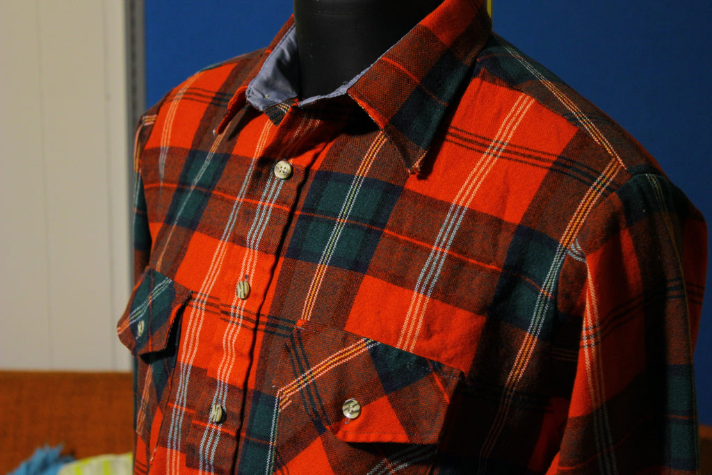 Van Heusen Winterweights Vintage Flannel Long Sleeve Button Up