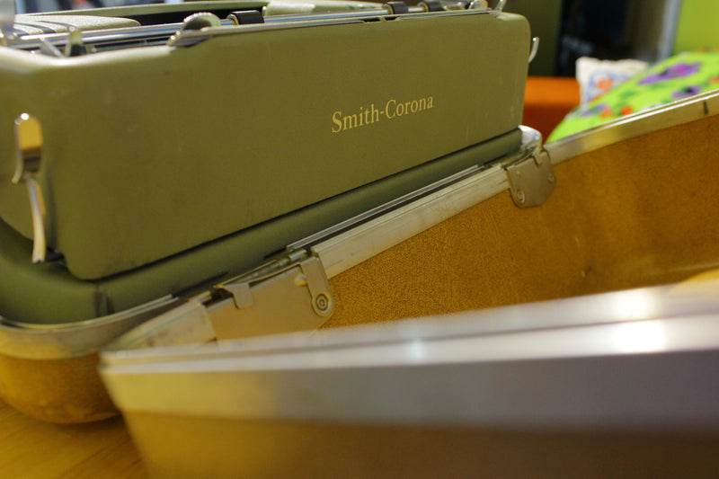 Vintage 1957 Smith Corona Silent Super 5T Seafoam Green Typewriter w/case Works