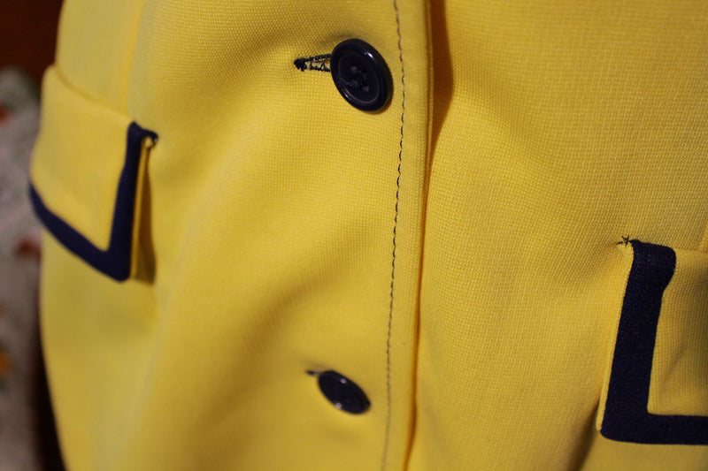 1970s 1980s Vintage Women's 3 Button Flap Polyester Yellow Suit.  Cute! Montgomery Ward