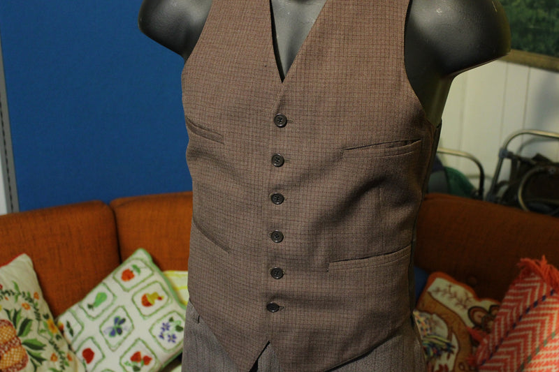 3 Piece Pinstriped Brown Double Breasted Vintage Suit. Men's Large. Flap Pockets. Made in USA