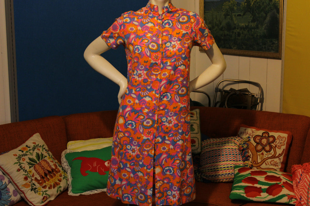 1960's 1970's Ship' N Shore Flower Power Hippie Boho Dress. Mod Half Zip.