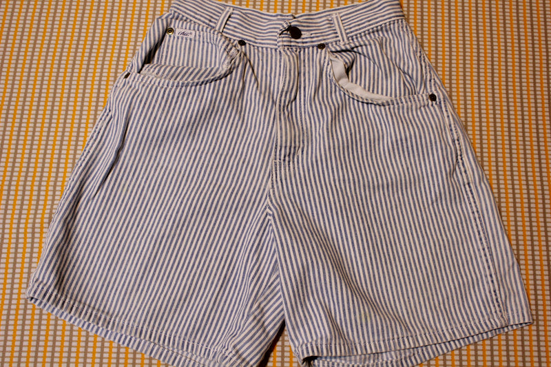 Chic Vintage 80's Pin Striped High Waist Made in USA Jean Shorts Womens Small