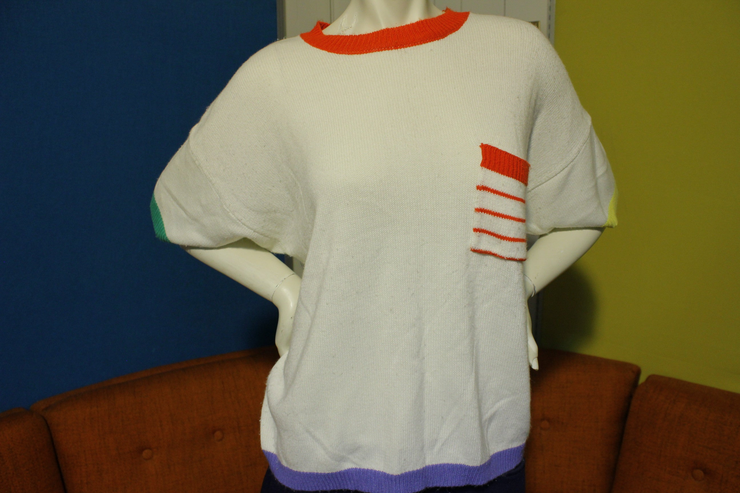 Le Moda II Vintage 80's Knit Short Sleeve Sweater Shirt. Colorful Pocket.