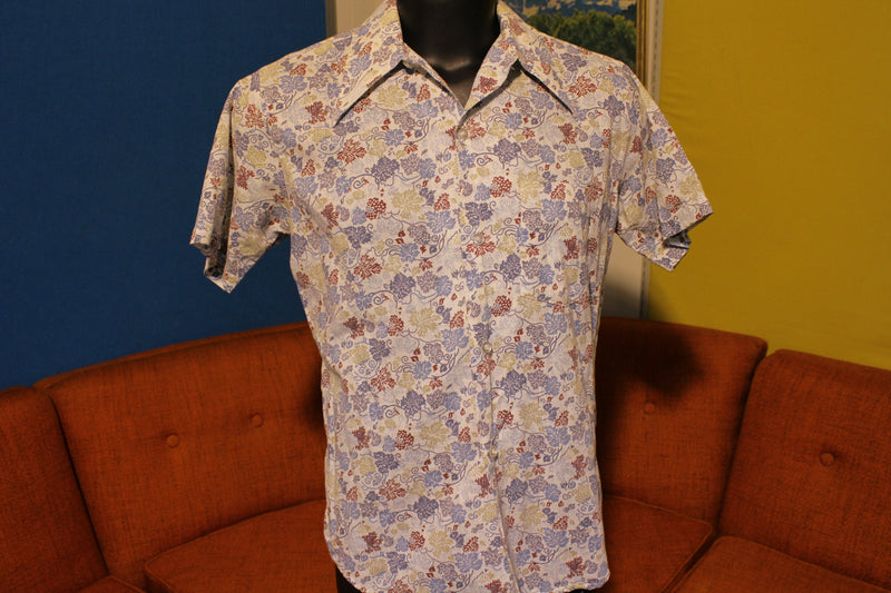 Kmart 70's Disco Flamboyant Leaf Button Up Shirt.  Big Collar Short Sleeve.