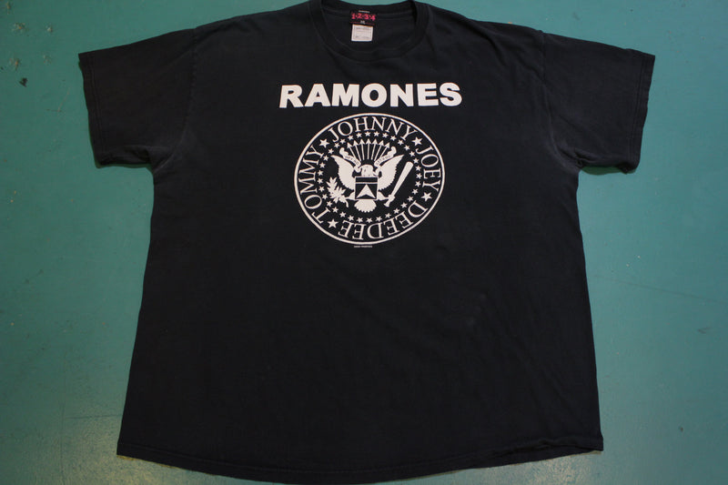 Ramones Johnny Joey DeeDee Tommy Hey Ho Lets Go Vintage 2004 1234 T-Shirt