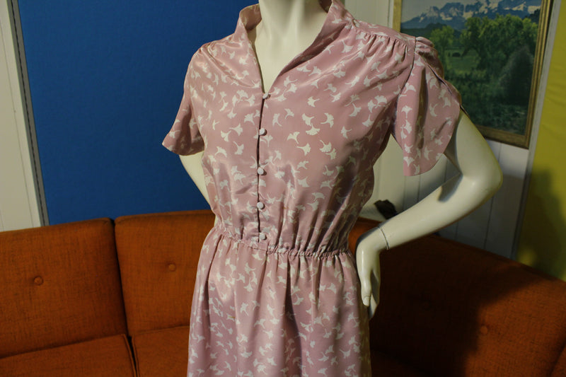 80's Leaf Print Pink Fitted Waist Dress. Cute