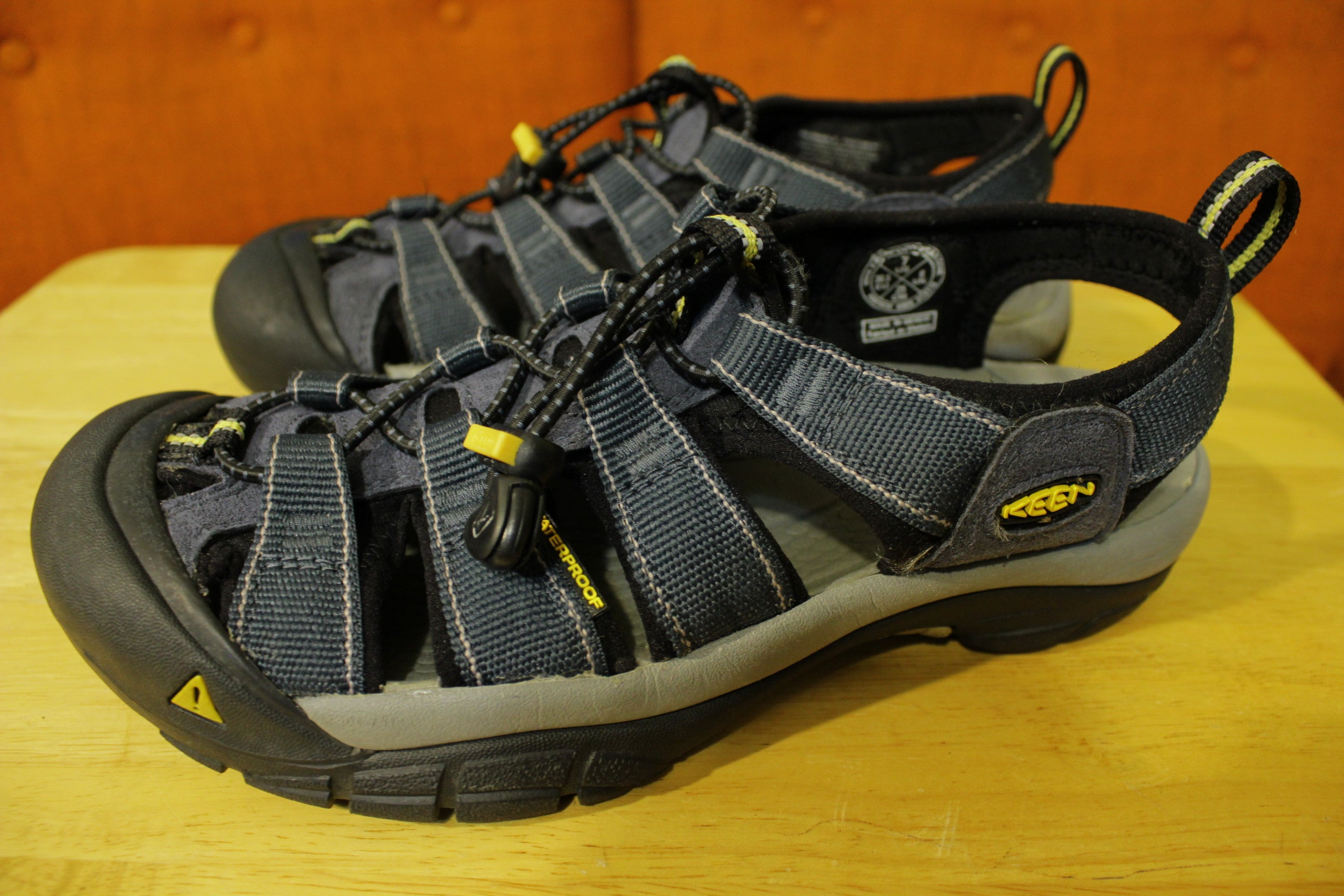 3e64c2fda1f4c9 Keen Newport H2 Hiking Water Outdoor Sandal Strap Shoes Navy Gray Mens Size  7