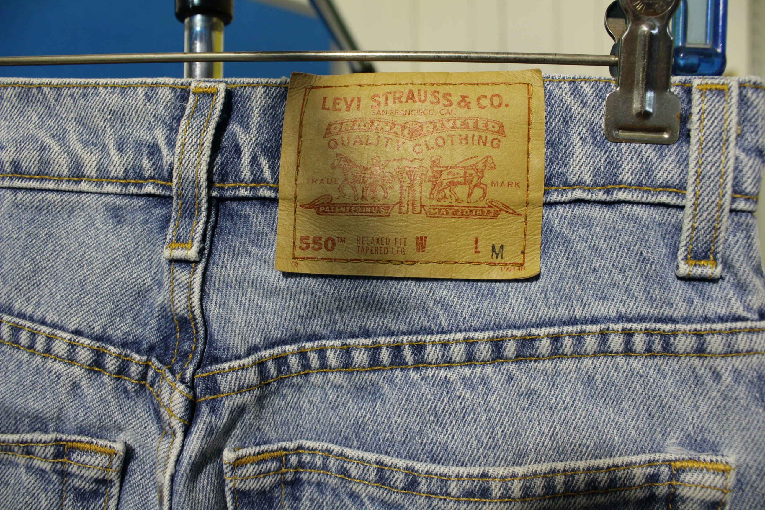Levis White 550 Made in USA Women's Faded Jeans Vintage 90's 28x30 Tapered