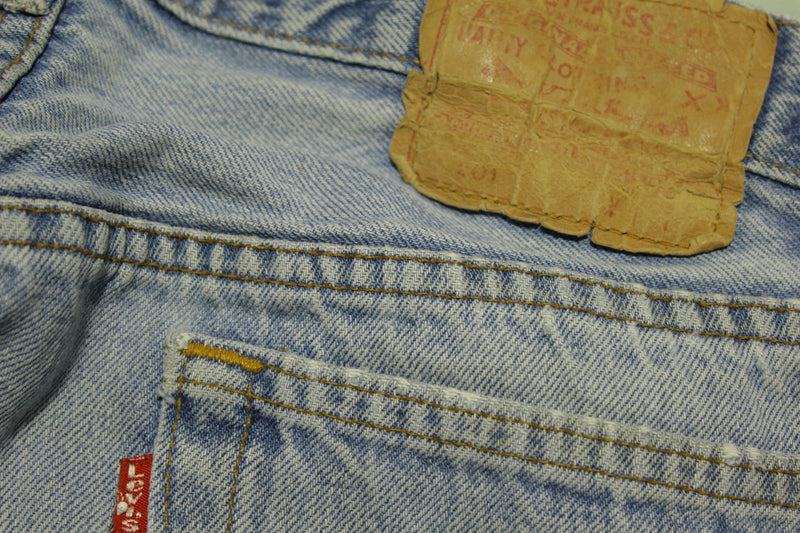 Levis 501 Button Fly Vintage 90's Blue DenimqqQ q Red Tag Made in USA Jeans 34x33