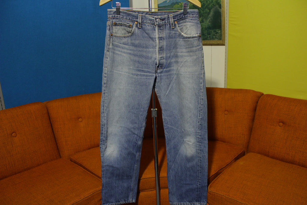 80s Levis 501 Vtg Button Fly Jeans USA Made Faded Distressed Denim Wallet Mark