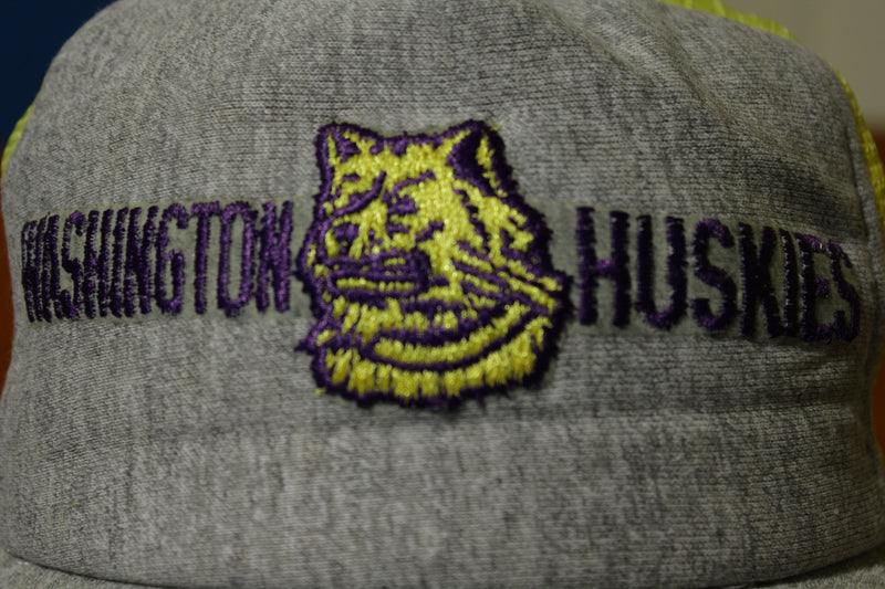 Washington Huskies Original Vintage 80's CalHead Snapback Trucker Hat