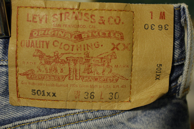 90s Levis 501 Button Fly Jeans. Vintage Grunge Punk Made in USA 501xx 34x28