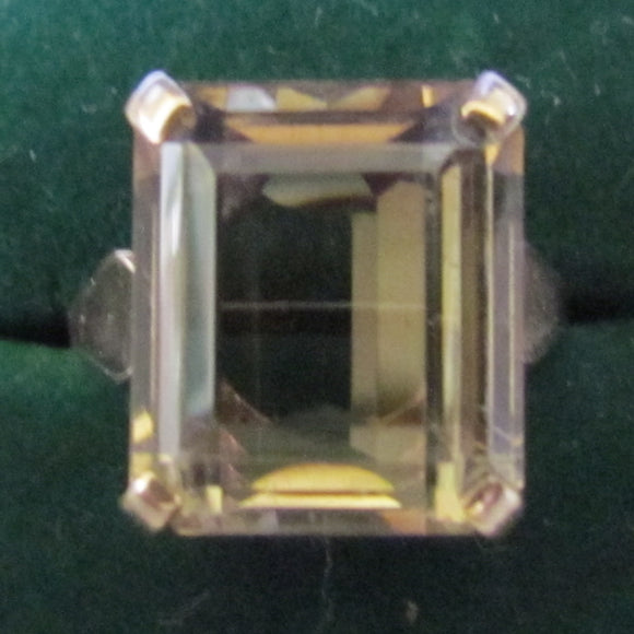 9ct Gold Champagne Citrine Baguette Cut Dress Ring 4.21 gms