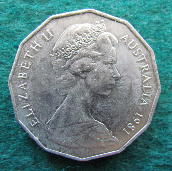 Australian 1981 Coat Of Arms 50 Cent Queen Elizabeth Coin - Circulated