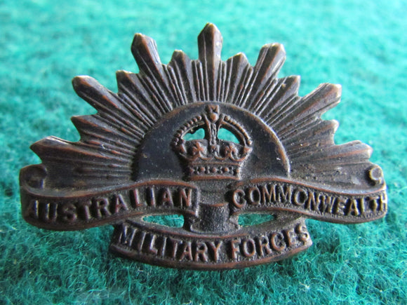 Rising Sun Australian Commonwealth Military Forces Collar Badge WWI K G Luke Melbourne 3rd Version 1904
