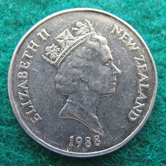 New Zealand 1988 50 Cent Queen Elizabeth Coin