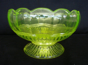 Yellow / green citrine / Citroen / uranium glass bowl