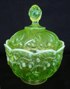Yellow / green citrine / Citroen / uranium glass jug with footed molded body with opaline trim