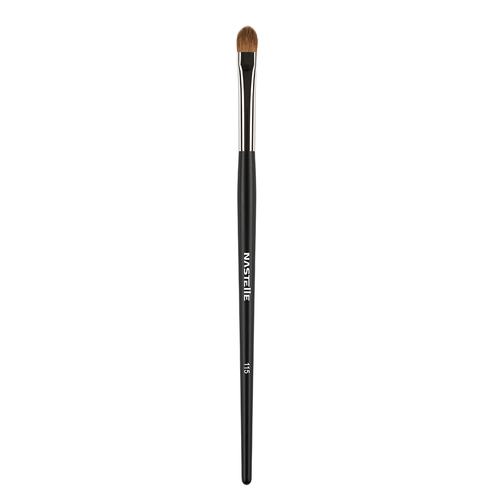 Eyeshadow application flat brush 115