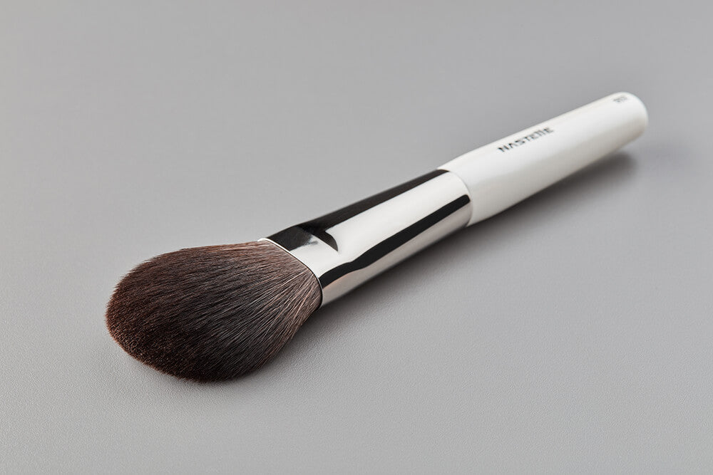 N502 Nastelle Large Powder Brush synthetic squirrel imitation fibers pearl white handle style photo