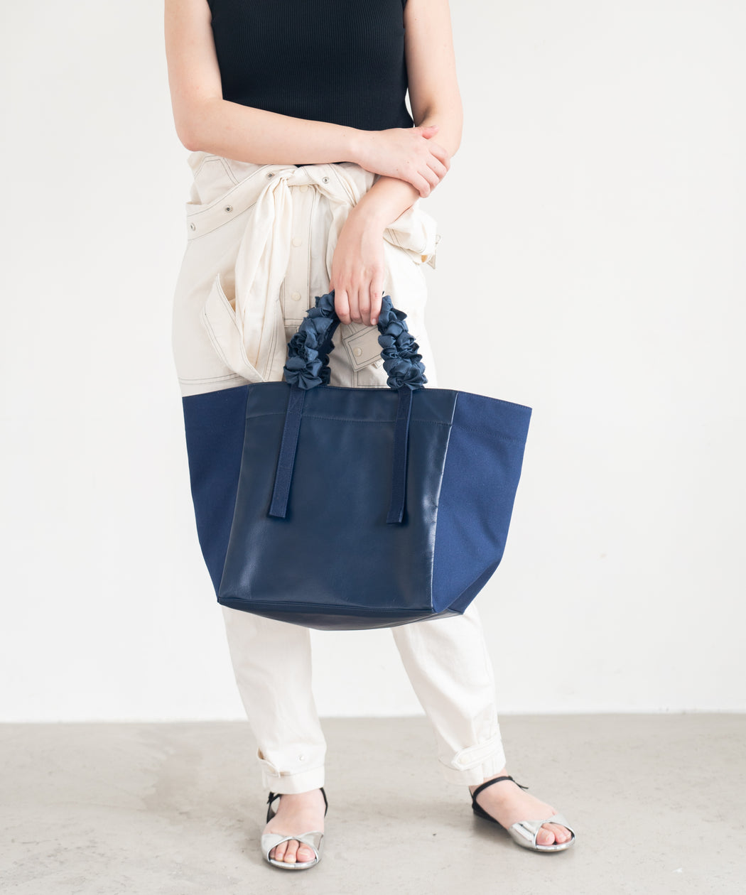 [WEB限定] Grape handle tote (Lether)