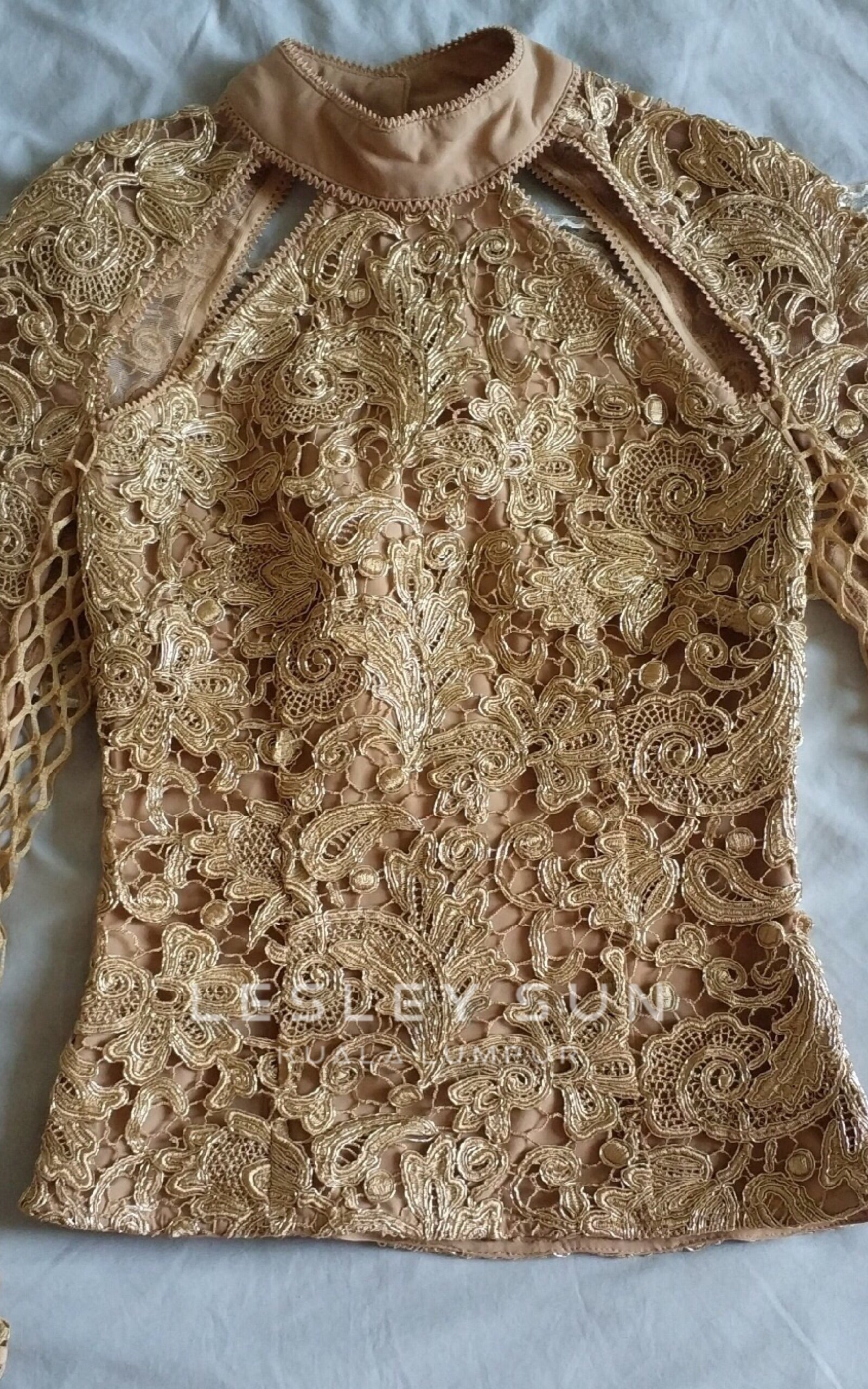 Aviana Gold Top