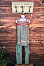 Sleeveless Floral Sage Top w/Lace Detail