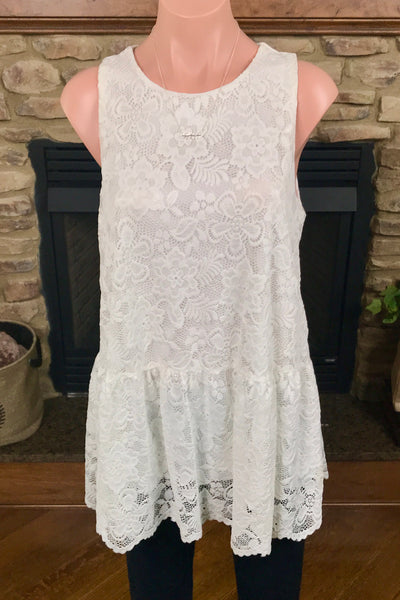 Lace Sleeveless Fully-Lined Top in White
