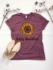Stay Golden Graphic Shirt in Maroon Heather