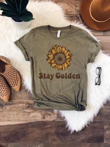Stay Golden Graphic Shirt in Olive Heather