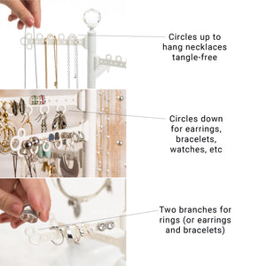 Circles up to hang necklaces tangle-free