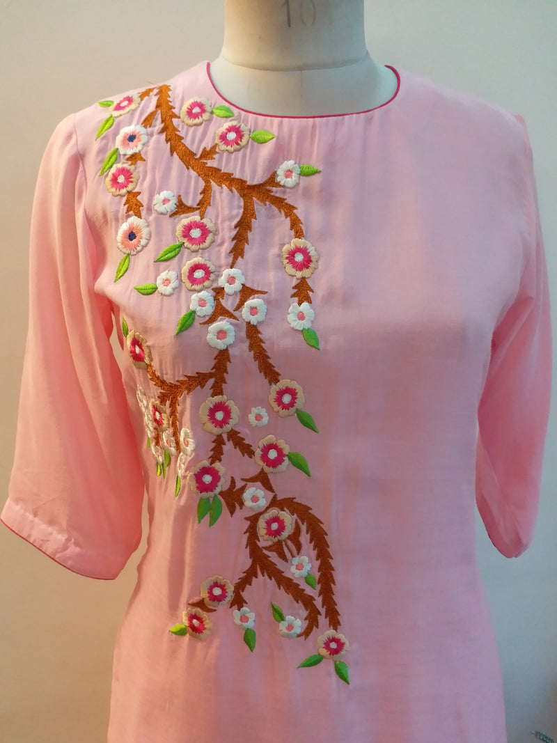 Buy Light Pink Embroidered Kurta Online at LabelKanupriya.