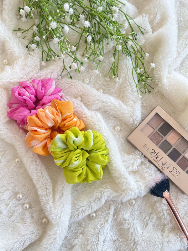 Colorful Leheriya Scrunchies Combo (Green-Pink-Mango Yellow)