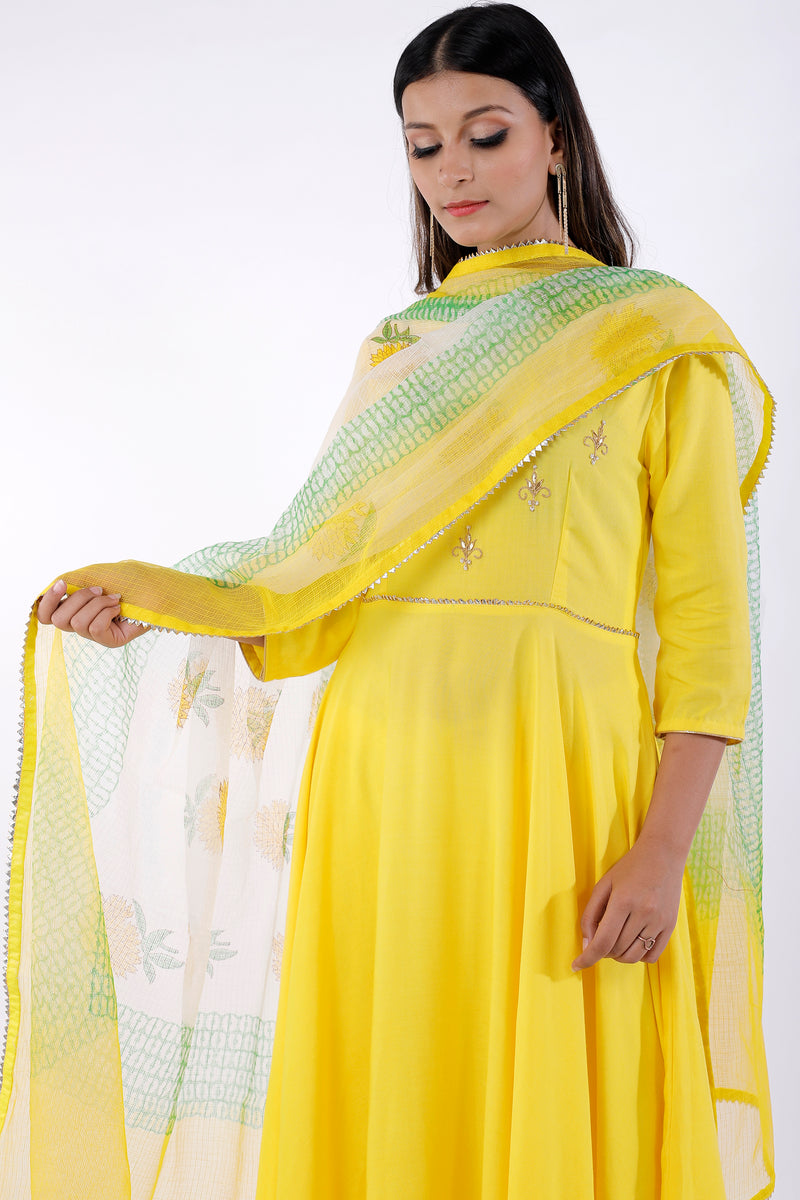 Buy Kota Doria Block Print Dupatta Online at LabelKanupriya.