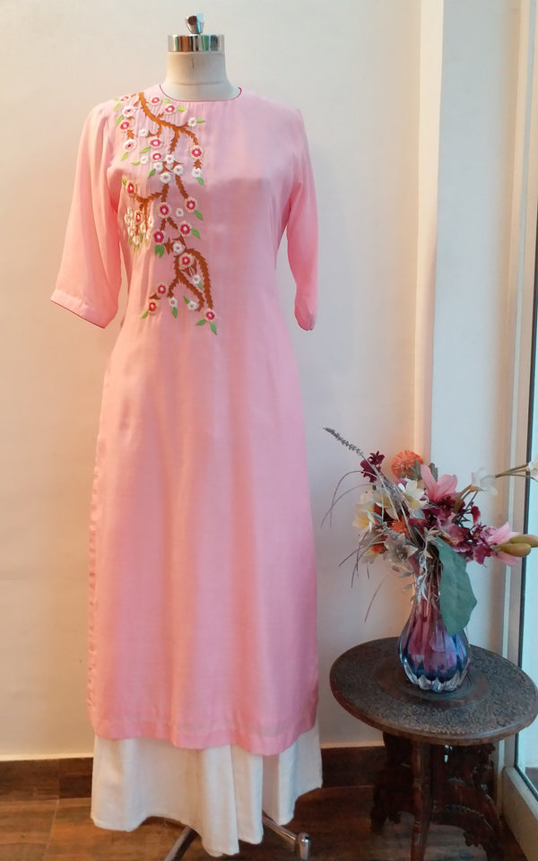 Light Pink Embroidered Kurta - LabelKanupriya
