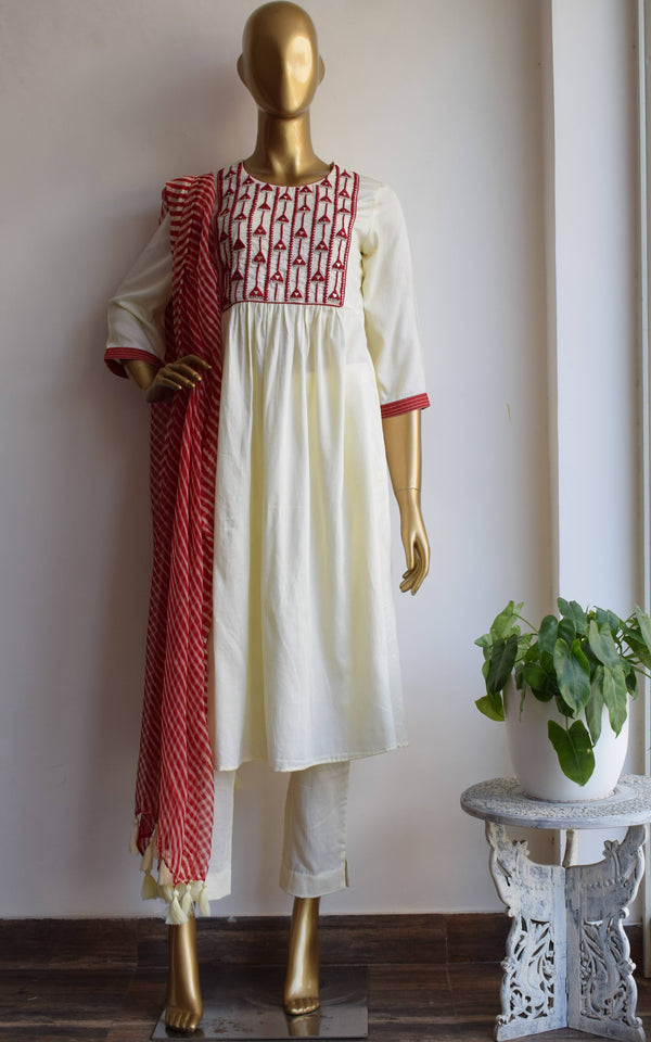 Cream Mirror-work Kurta Set with Red Leheriya Dupatta