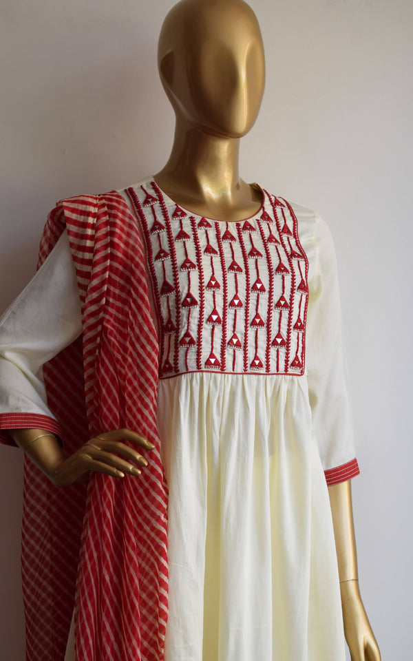 Red-Cream Leheriya Dupatta