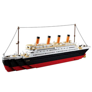 Lego Titanic Ship Playset with Jack & Rose