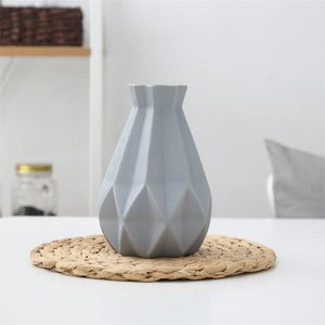 FREESON Elegant Diamond Mesh Design Porcelain Vases for Decorations - Divine Inspiration Styles