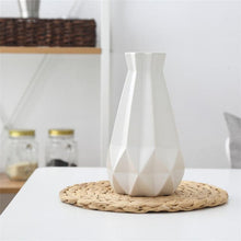 Freeson Mesh Diamond Structure Porcelain Vase Modern Fashion Ceramic Flower Vase for Study Room Hallway Home and Wedding Decoration