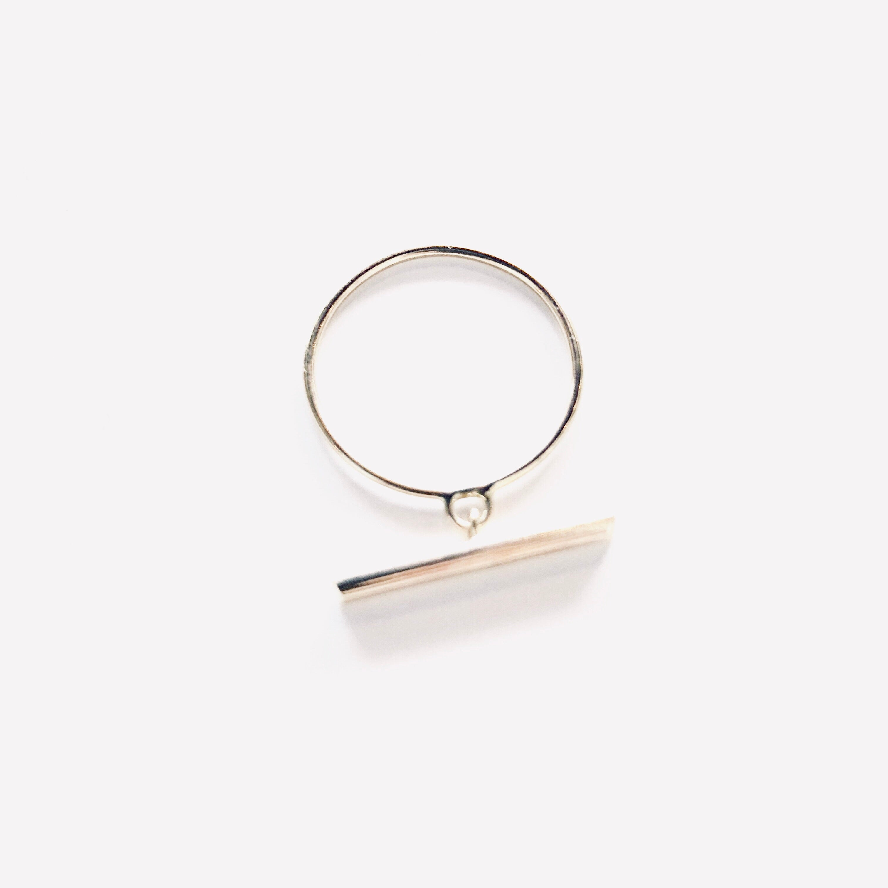 Alix Barclay - gold T Bar ring