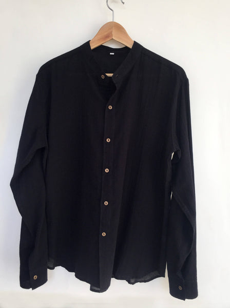 Coconut Button Light Cotton Shirt in Black