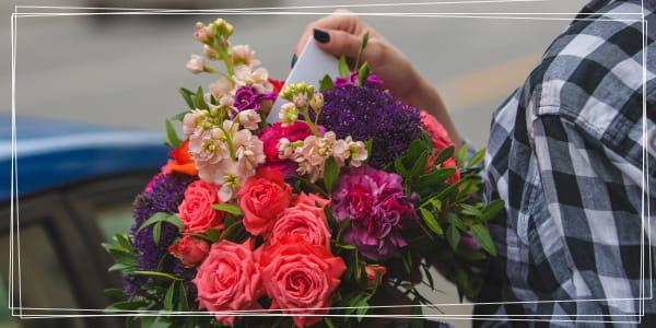 How to sign a postcard to a bouquet of flowers?