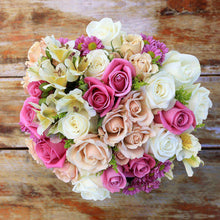 Load image into Gallery viewer, Ti Amo Fresh Flower Bouquet 1 - Rosaholics