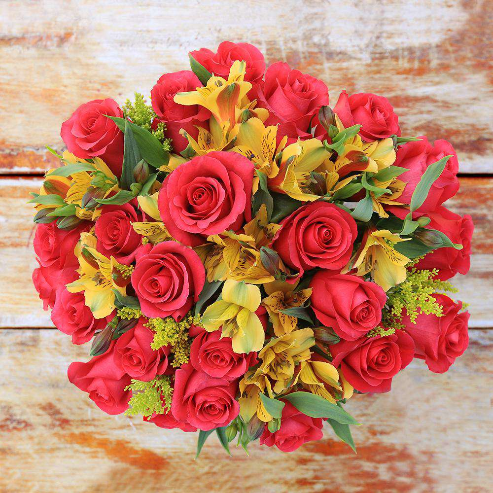 Jet Setter Fresh Flower Bouquet - Rosaholics