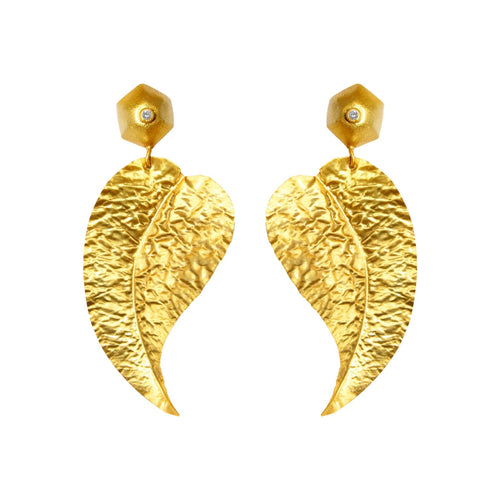 Leaf Earrings - Minimalistic Modern Contemporary Geometric Architectural Simple Statement Gold Earrings - Gucci Jewelry Chanel Trend Dior Fashion Week Milan Paris New York Celebrity Style